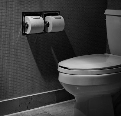 Ulcerative Colitis Symptoms - Hotel Bathroom